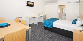 Queen Room Premium at Urangan Motor Inn